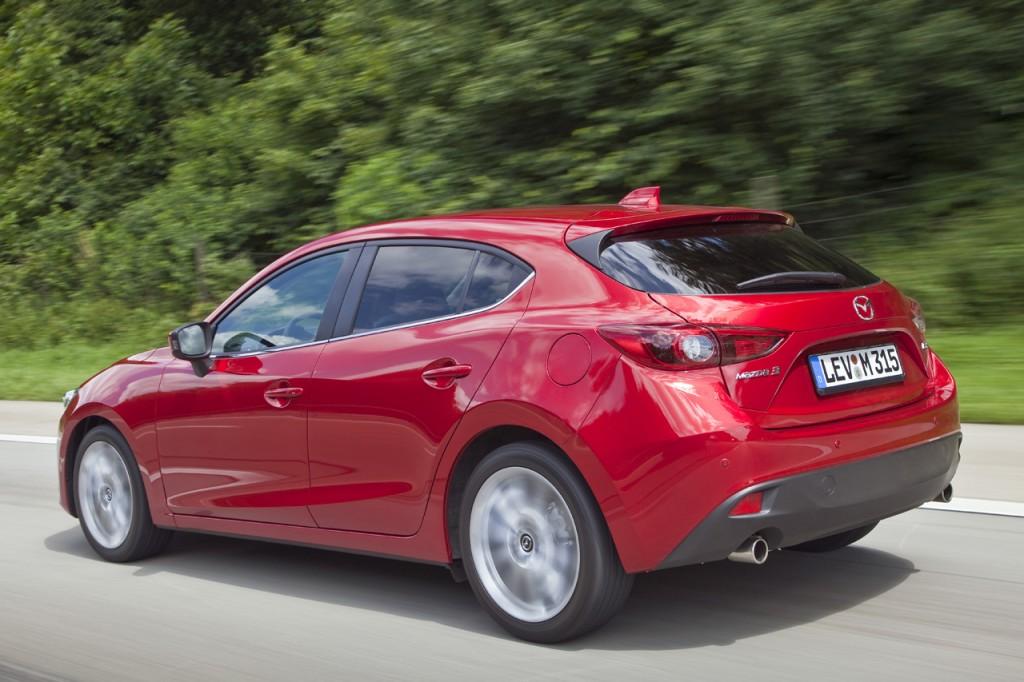 Mazda3_2013_Hatchback_action_10__jpg72 (1)
