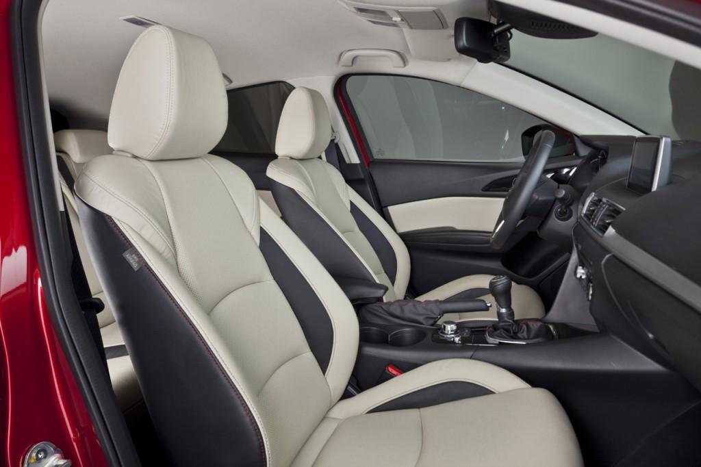 Mazda3_2013_interior_07__jpg72 (1)